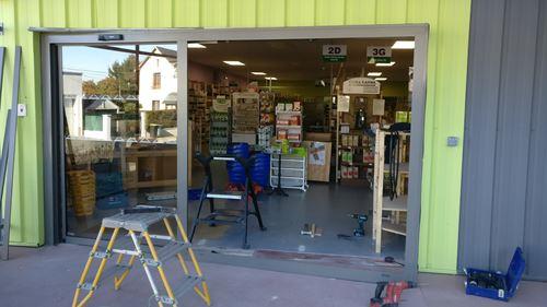 Modification de l'orientation de la porte du magasin magasin Rayons Verts de Vierzon